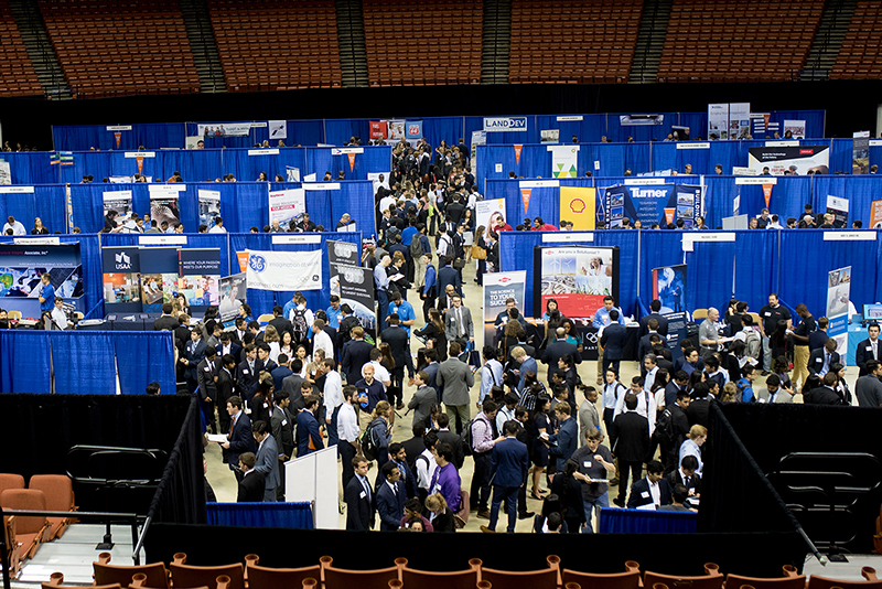 Students gather in the Frank Erwin Center to meet with industry members at the Fall 2018 EXPO event.